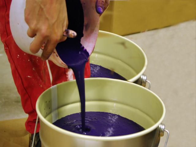 Ajout du pigment à la peinture - photo COLOR RARE